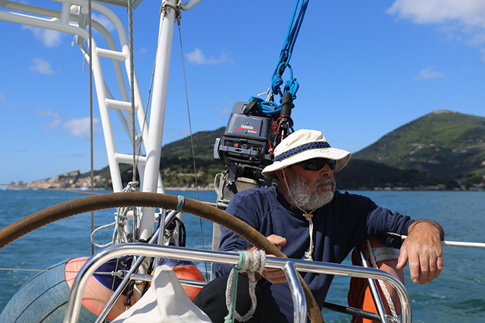 in-barca-con-omero-02