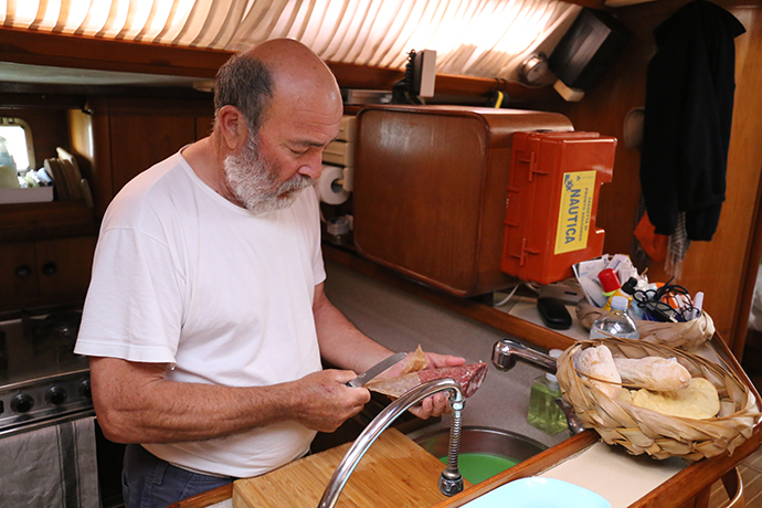 in-barca-con-omero-06