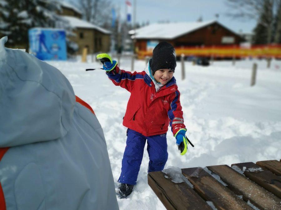 bambini sulla neve cosa mettere in valigia