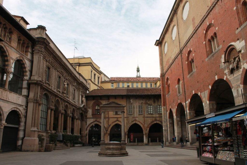 Piazza Dei Mercanti Milano