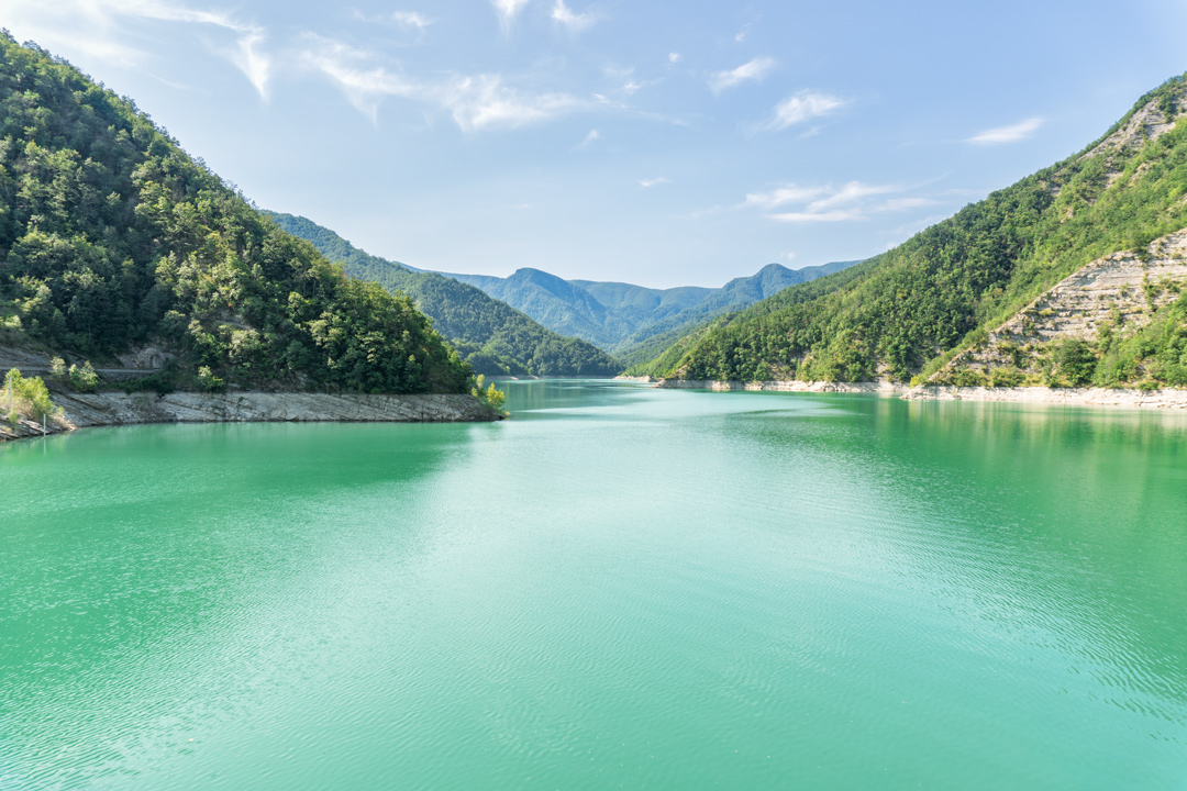 vista del lago dalla diga di Ridracoli
