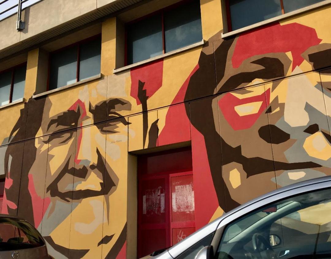 Quartiere murales donne
