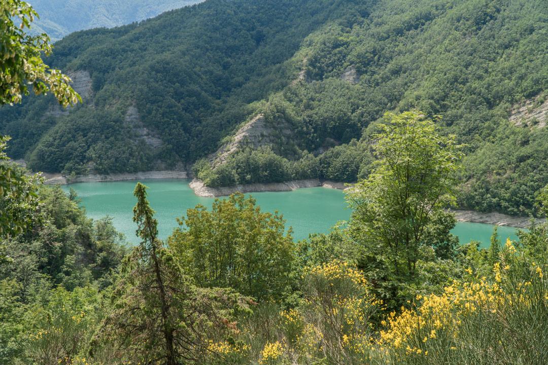 vista del lago di ridracoli